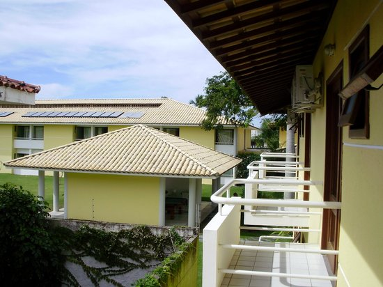Sunshine Praia Hotel: Varandas dos aptos dos fundos.