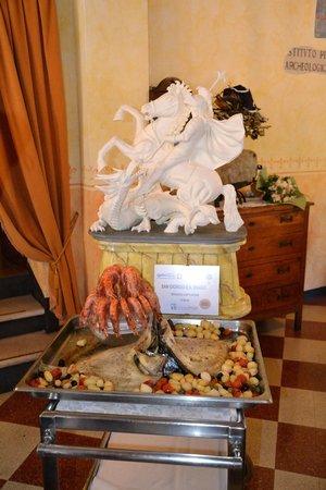 Ca' delle Anfore: Presentazione piatto con scultura