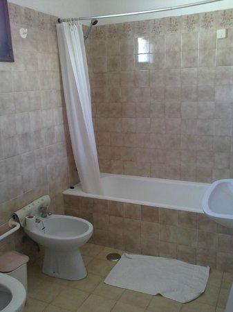 Rainha D Leonor Apartamentos: bathroom