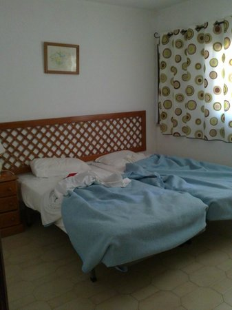 Rainha D Leonor Apartamentos: bedroom