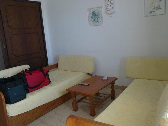 Rainha D Leonor Apartamentos : living room