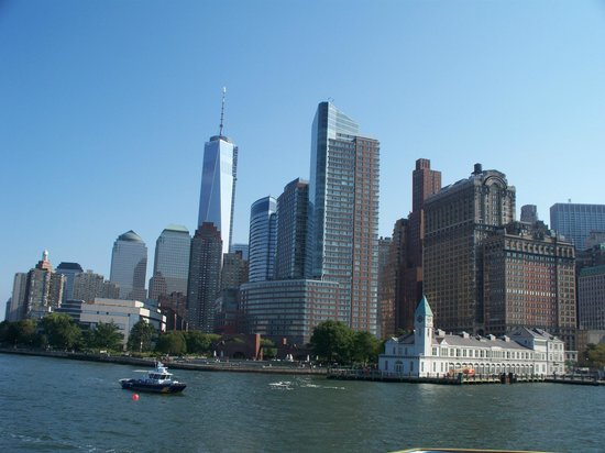 All New York Tours: The view of Freedom Tower as we approached Battery Park.