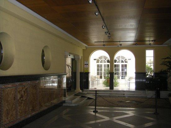Hotel Macia Alfaros : Einfahrt