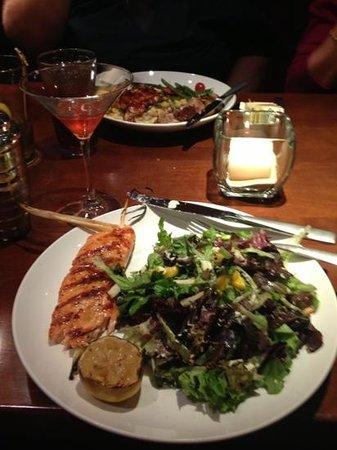 Seasons 52: lemongrass salmon salad
