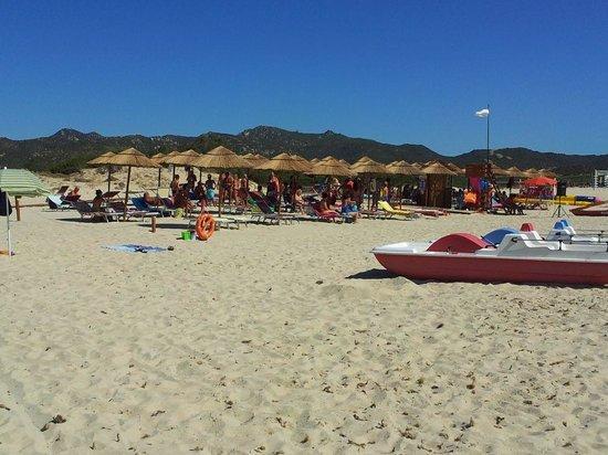Villaggio Camping Le Dune : La spiaggia attrezzata