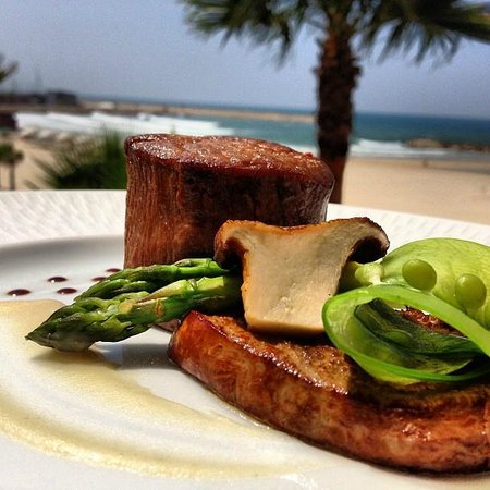Accad Restaurant: Dinner with a view