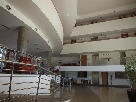 Hotel Turismo de Trancoso: Reception and lounge area