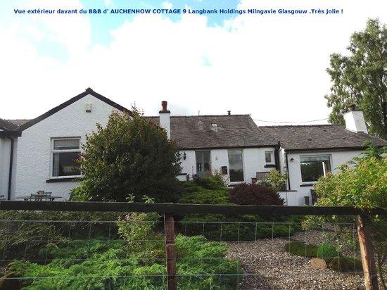 Auchenhowe Cottage: Vue extérieur à l'arrivé au  B&B