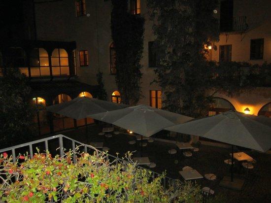 Hotel Relais Falisco: Il Cortile