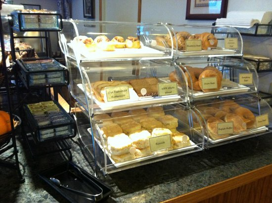 BEST WESTERN Arcata Inn: breakfast buffet