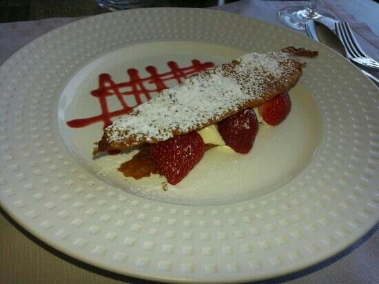 Restaurant Les Rochers: Arlette de fraises <3