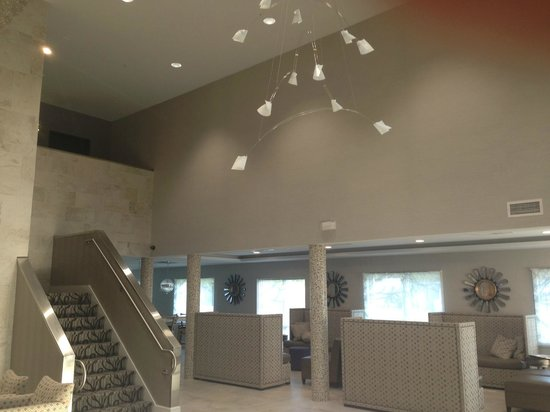 Comfort Inn Williamsburg Gateway: renovated lobby