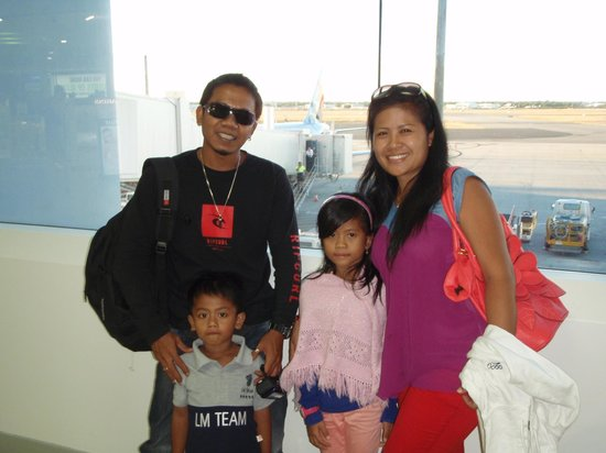 The Bali Driver - Private Tours: Coman and his family,wife Putu,daughter Metha and son Rama