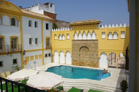 Hotel Macia Alfaros : La piscine