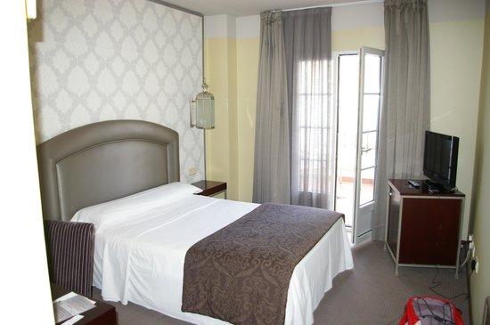 Hotel Macia Alfaros : La chambre