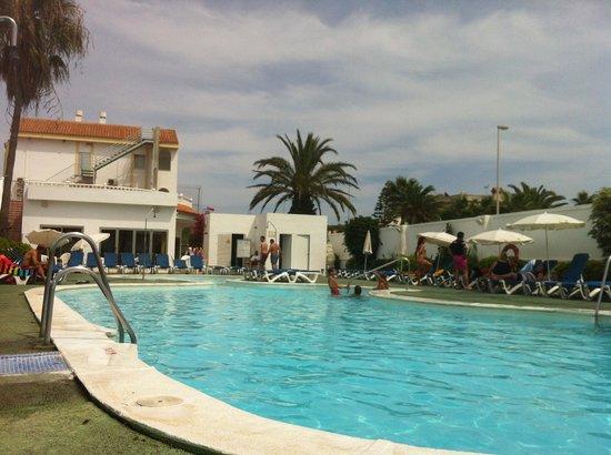 Hotel ATH Roquetas de Mar: PISCINA