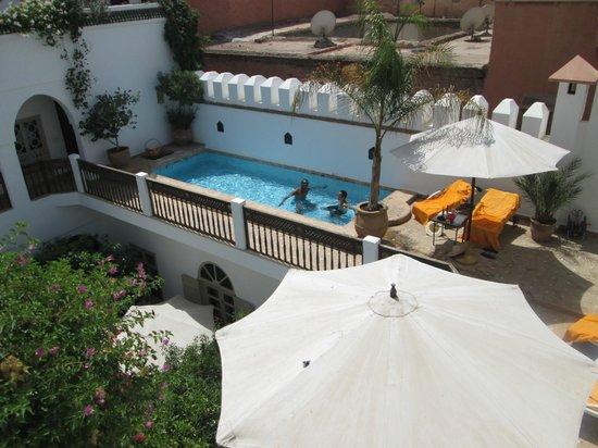 Riad Clémentine : piscine