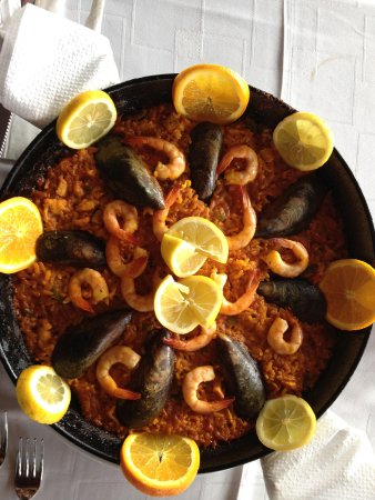 Aberdeen Steak House: Traditional Paella for Just 8.50€ per person