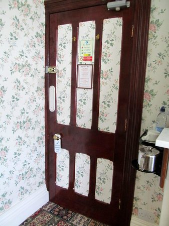 The Epperstone: Wallpaper on the doors?