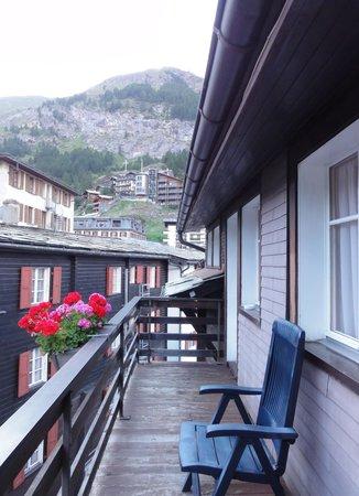 Alpina Hotel : balcony