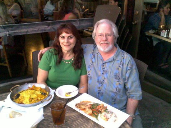 Harbor House Restaurant : Getting ready to eat a great meal