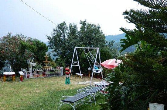 Mukteshwar Himalayan Resort: Playground