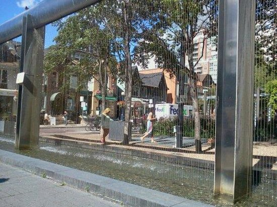 Yorkville: another view - the fountain