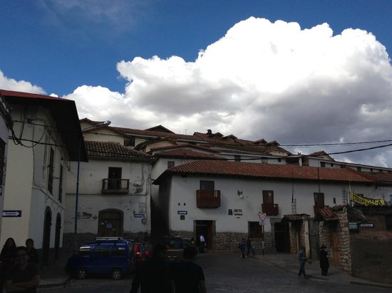 Hotel Suenos del Inka : Hotel view from street