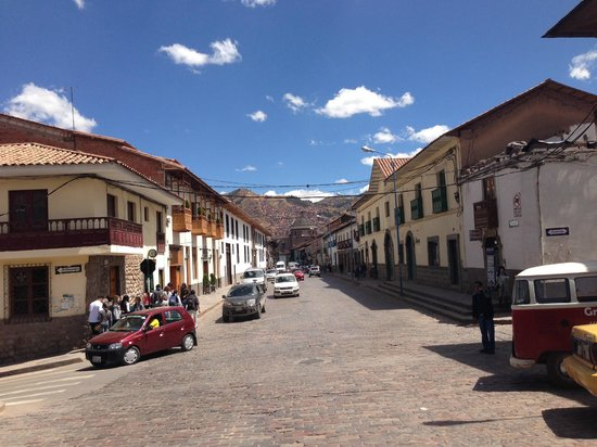 Hotel Suenos del Inka : Street view from front of hotel