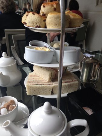 Danesfield House Hotel And Spa: Lovely afternoon tea