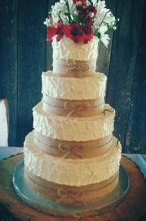 wedding cakes in pigeon forge tn wedding cake picture of cakes by bakin bishop 24733