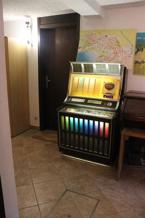 Andrea's Home: the jukebox