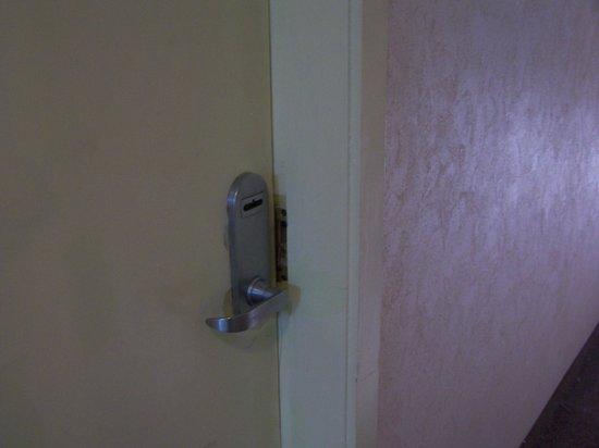 Travelodge Laramie: Door Locks