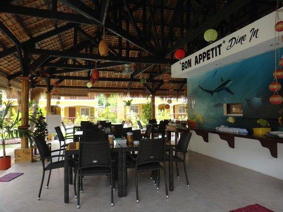 Slam's Garden Resort: dining