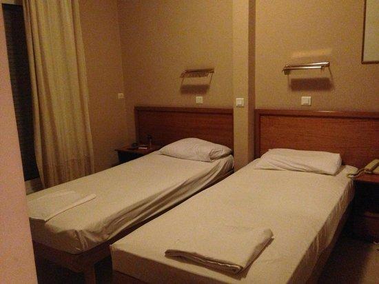Pella Hotel : Bedroom