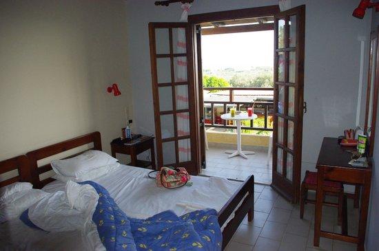 Petros Village : bedroom