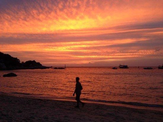 Blue diamond Resort: Sunset from the resort