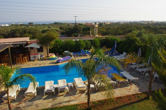Petros Village : swiming room