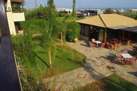 Petros Village : HOTEL'S GROUND