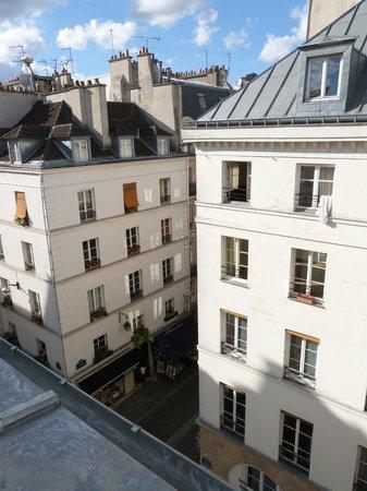 Le Relais des Halles: View from room