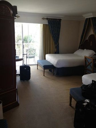 Town and Country San Diego: room 1503 royal palm tower