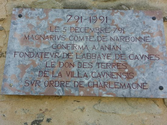 Abbaye de Caunes Minervois: plaque