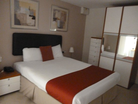 The Atrium Serviced Apartments : Bed
