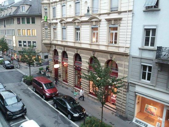 Hotel Basilea: Blick auf Zähringerstrasse