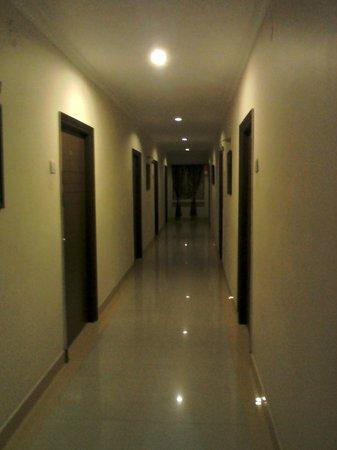 Hotel Balaji Residency: hotel lobby