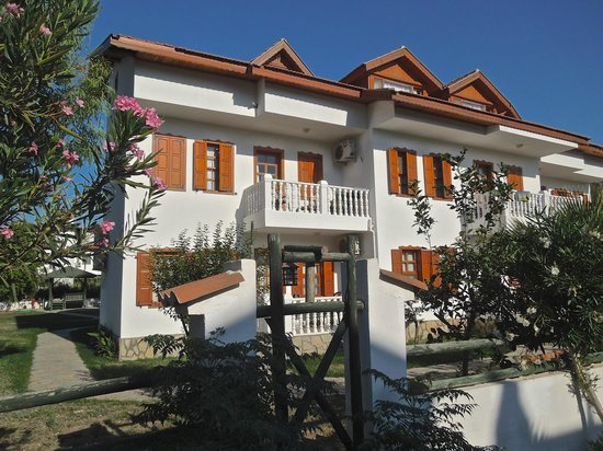 Beyaz Villas: A side view with our balcony