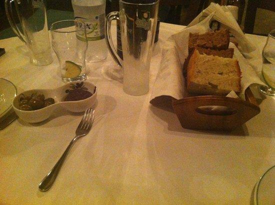 Elia: Pane e parè d'olive
