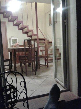 I Terzi di Siena: Comedor adyacente a la cocina, desde el balcón
