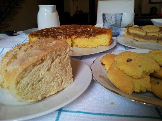B&B Dolce Casa : Homemade treats for breakfast 3