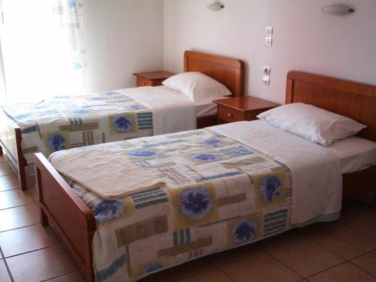 Joanna Hotel Apartments: Beds
